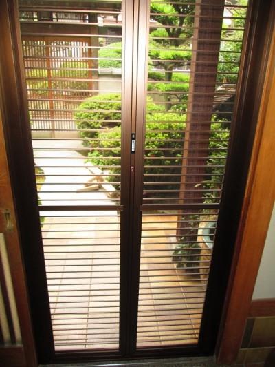 玄関網戸の設置で風通しの良い家に♪