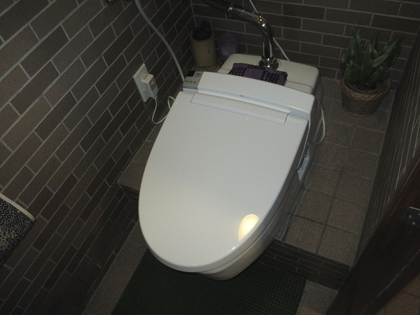 あっという間に和式トイレから洋式トイレに交換しました♪