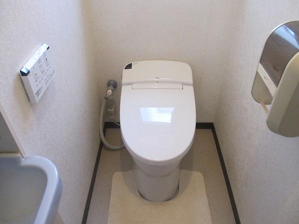 タンクレストイレに交換で空間も広々♪