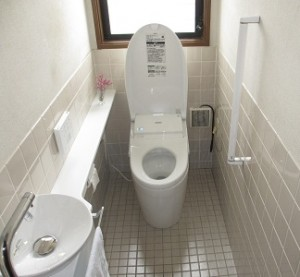 和式トイレから洋式トイレへ、バリアフリーリフォームで安心して暮らせる家に。