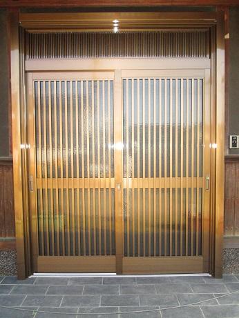 以前と同じデザインを希望!にお応えした玄関引戸の交換。