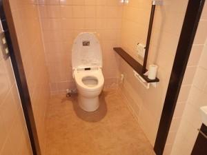 広々使いやすく♪ 和式トイレ⇒洋式タンクレストイレへ