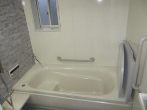 広々暖かい浴室へ、エコキュート設置で経済的に♪