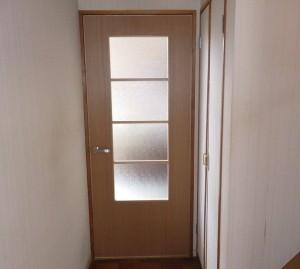 オーダーメイドの木製建具で、お部屋がぐっと明るくなりました♪
