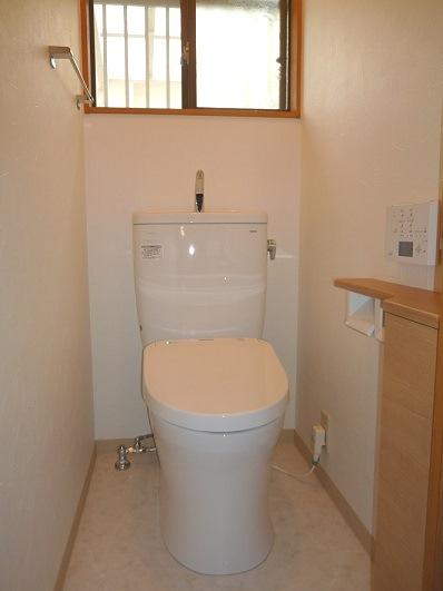 エコな節水トイレに交換。内装も一緒に一新♪
