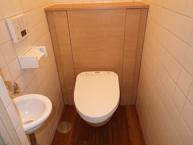 和式トイレからスタイリッシュな洋式トイレに交換!