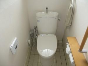1・2階のトイレを節水・機能充実トイレに交換