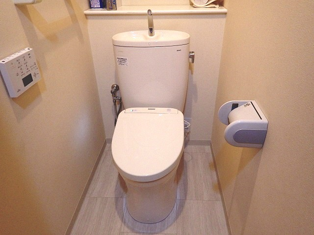 マンションのトイレとクッションフロア貼替えリフォーム♪