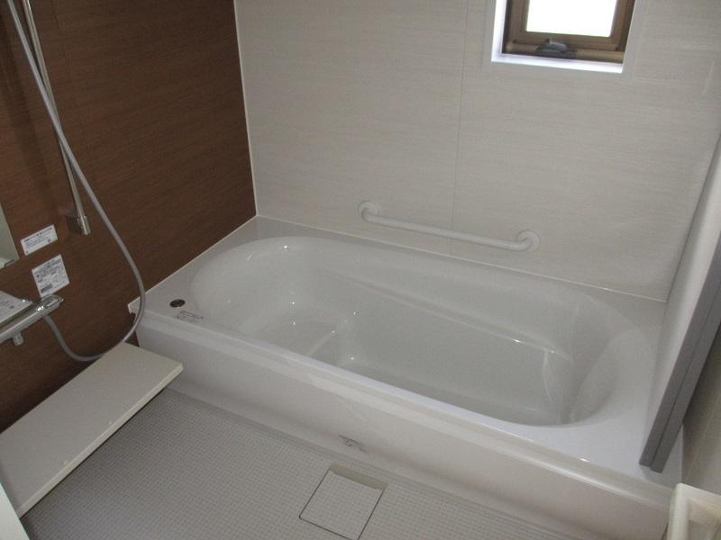 暖かく、広々快適な浴室と洗面化粧台のリフォーム♪