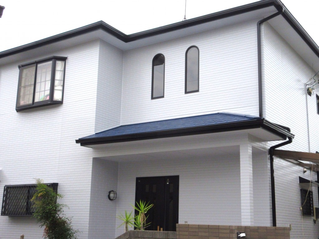 鮮やかさとツヤが復活!屋根と外壁塗装